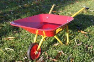 Olive Grove - Brouette en acier pour enfants, coloris rouge et jaune de la marque Olive Grove image 0 produit