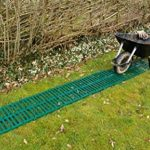 Original sec Path Portable Garden Path par Britten et James®. Protège les pelouses et parterres de fleurs et Il est plus facile pour pousser une brouette. Plastique recyclé Track Stocke Plat lorsque vous ne l'Utilisez pas. 3M. de la marque Britten & Jame image 1 produit